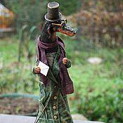 """Куклы и игрушки ручной работы. Ярмарка Мастеров - ручная работа авторская кукла  """"Такса c чемоданом"""".. Handmade."""