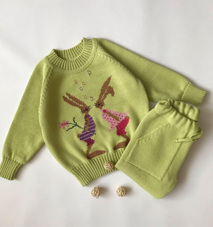 Вязаный детский джемпер «Зайка моя»