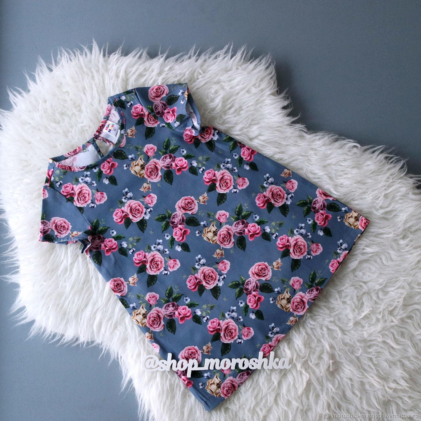 Платье для девочки Розы на синем