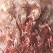 Волосы для кукол ручной работы. Ярмарка Мастеров - ручная работа Всё за 350 р! Волосы для кукол- натуральная козья шерсть роз. №17/1. Handmade.