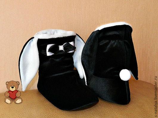 Обувь ручной работы. Ярмарка Мастеров - ручная работа. Купить Тапочки зайчики из бархата. Handmade. Чёрно-белый, Тапочки зайчики