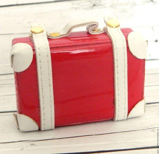 Куклы и игрушки ручной работы. Ярмарка Мастеров - ручная работа. Купить Маленький чемодан для кукол. Handmade. Ярко-красный