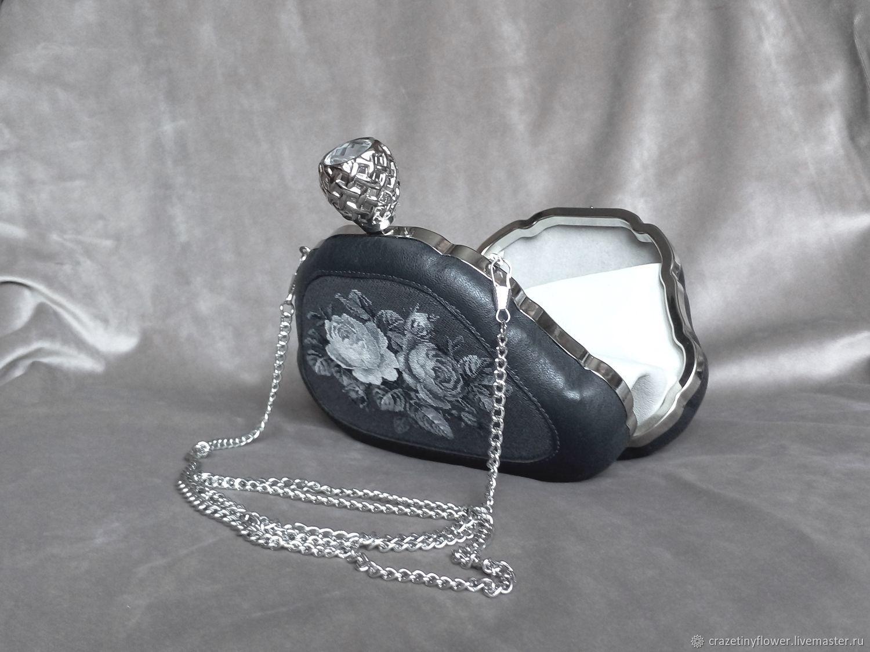 Женские сумки ручной работы. Ярмарка Мастеров - ручная работа. Купить Темно-серая кожаная сумочка с монохромной вышивкой. Handmade.
