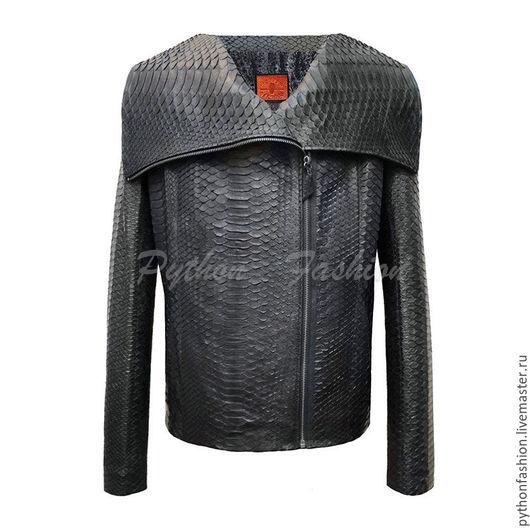 Куртка из кожи питона. Дизайнерская куртка из питона. Модная женская куртка из питона. Стильная куртка из кожи питона. Куртка ручной работы. Куртка из питона на молнии. Куртка из питона на заказ.