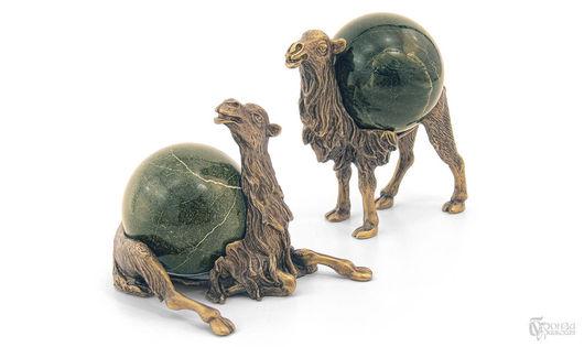 Статуэтки ручной работы. Ярмарка Мастеров - ручная работа. Купить Верблюды. Handmade. Уральские камни, животные, статуэтки из металла, бронза