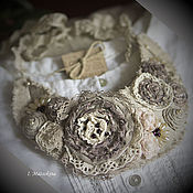 Украшения handmade. Livemaster - original item The collar on the grounds. Tea roses for mom. 2 options. Handmade.