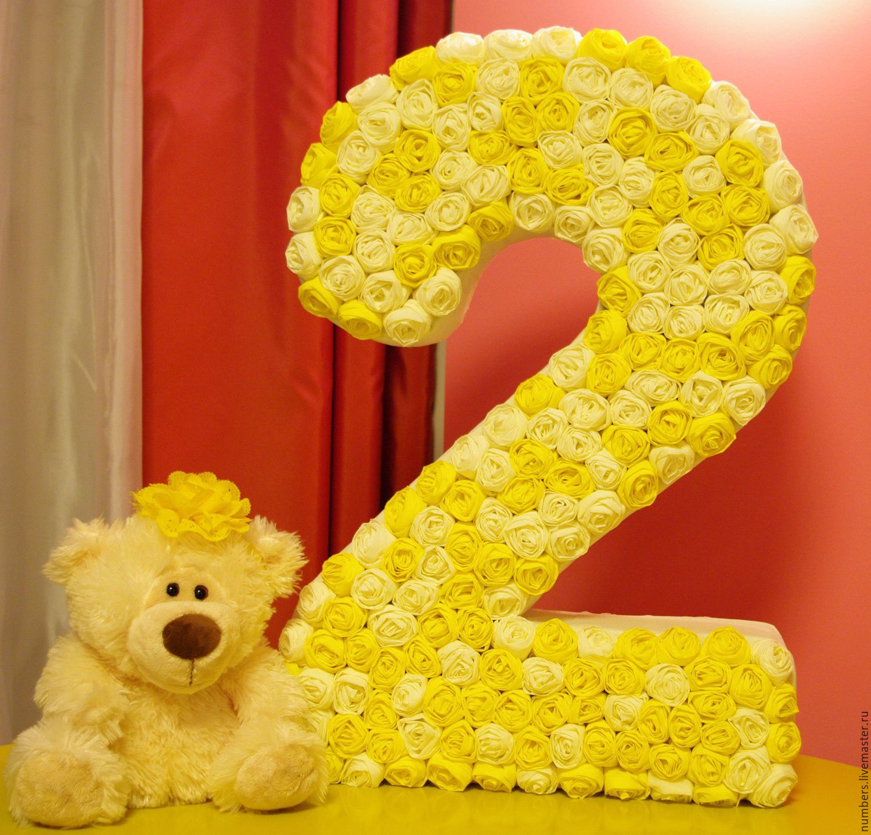 Цифра из цветов на день рождения