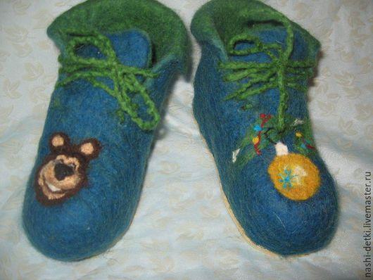 """Детская обувь ручной работы. Ярмарка Мастеров - ручная работа. Купить Тапочки детские """"Маша и Медведь"""". Handmade. Тёмно-синий"""