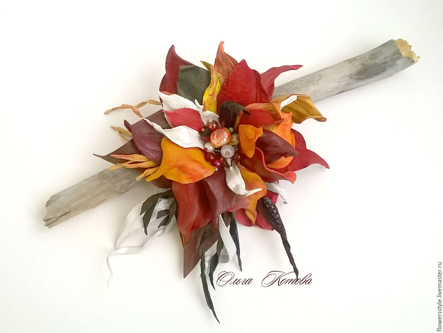 5e2d5d0f06c ... flowersstyle · Brooches handmade. Brooch of the skin First snow Date  with autumn red leaves. flowersstyle ...