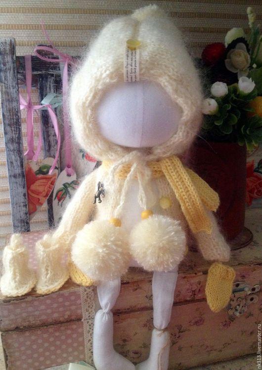 Одежда для кукол ручной работы. Ярмарка Мастеров - ручная работа. Купить Шубка для куклы. Handmade. Бежевый, для кукол и игрушек, пряжа