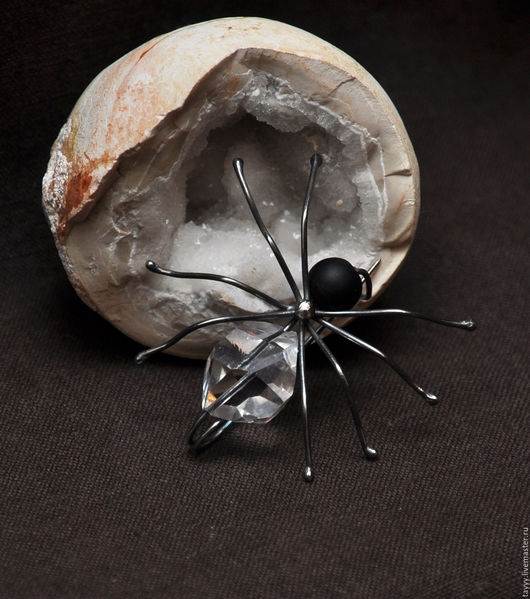 """Броши ручной работы. Ярмарка Мастеров - ручная работа. Купить """"Паучок"""" Серебро. Handmade. Черный, паук, шунгит"""