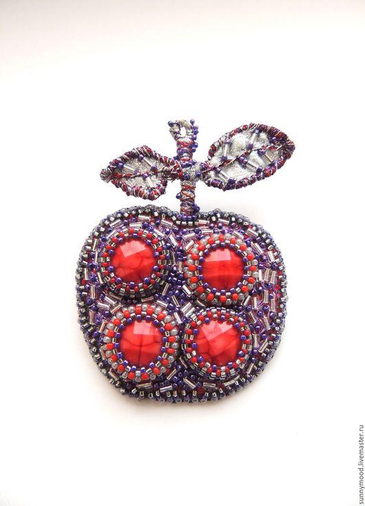 Броши ручной работы. Ярмарка Мастеров - ручная работа. Купить брошь Frozzen Apple. Handmade. Фиолетовый, мороз, яблоко