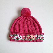 Работы для детей, ручной работы. Ярмарка Мастеров - ручная работа Шапочка с вышивкой для девочки 6-10 л. - розовая. Handmade.
