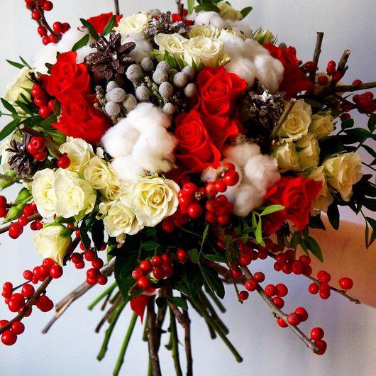 """Букеты ручной работы. Ярмарка Мастеров - ручная работа. Купить Букет из живых цветов """"Илекс"""". Handmade. Букет, цветы, красный"""