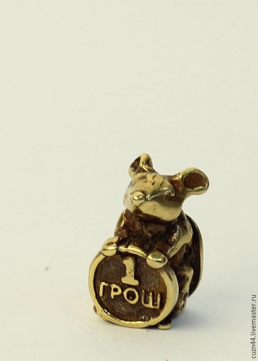 Магниты ручной работы. Ярмарка Мастеров - ручная работа. Купить Мышка с грошем. Handmade. Золотой, талисман, сувенир, латунь, талисманы