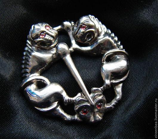 фибула серебро/гранаты, на заказ.