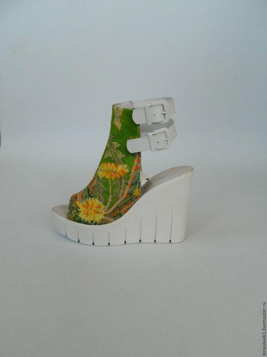 """Обувь ручной работы. Ярмарка Мастеров - ручная работа. Купить босоножки вышитые  """"одуванчики"""". Handmade. Босоножки летние, вышивка крестиком"""