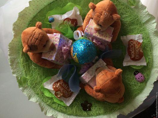 """Персональные подарки ручной работы. Ярмарка Мастеров - ручная работа. Купить Букет из игрушек """"Зеленая полянка"""". Handmade. Зеленый, сизаль"""