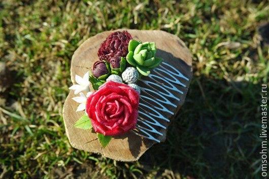 Диадемы, обручи ручной работы. Ярмарка Мастеров - ручная работа. Купить Гребень с розой, пионом и брунией. Handmade. Ярко-красный