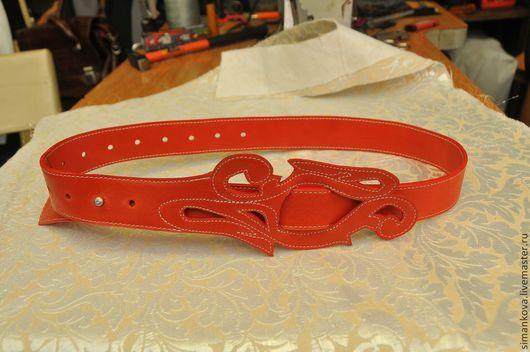 Пояса, ремни ручной работы. Ярмарка Мастеров - ручная работа. Купить Ремень красный. Handmade. Ярко-красный
