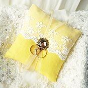 Свадебный салон ручной работы. Ярмарка Мастеров - ручная работа Желтая свадебная подушечка для колец. Handmade.