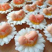 Косметика ручной работы. Ярмарка Мастеров - ручная работа мыло малыш на цветке. Handmade.