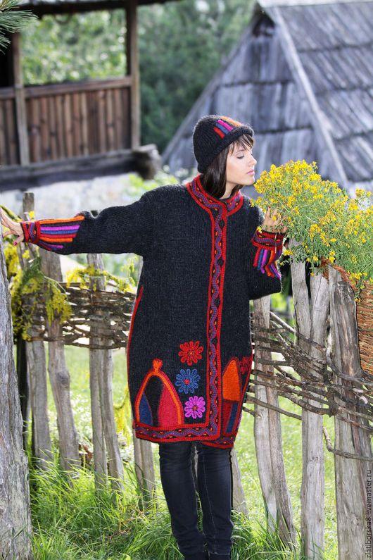 Sirogojno Style  пальто `Красочный Горный Орнамент`, воротник стойка, модель 3685