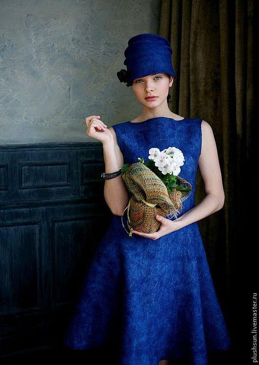 Платья ручной работы. Ярмарка Мастеров - ручная работа. Купить Валяное платье «Очаровательная Холли». Handmade. Тёмно-синий
