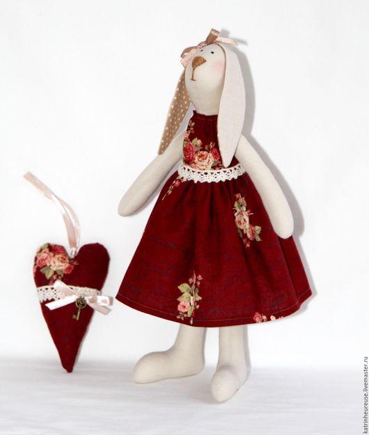 Куклы Тильды ручной работы. Ярмарка Мастеров - ручная работа. Купить Кролик тильда. Handmade. Бордовый, интерьер, марсала