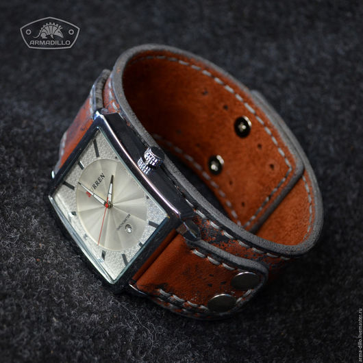 Часы с кожаным браслетом Armadillo