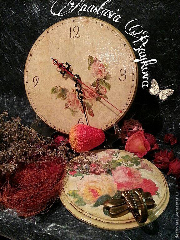 Часы ЦВЕТЫ ЛЮБВИ и вешалка выполнены в одном стиле. Цена за комплект- 1300 р. Стоимость вешалки  отдельно - 400 р. Анастасия   (Decor-art)