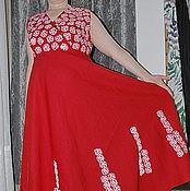 """Одежда ручной работы. Ярмарка Мастеров - ручная работа Платье  """"Вензеля"""" из красного льна с ручной верховой набойкой. Handmade."""