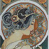 """Картины и панно ручной работы. Ярмарка Мастеров - ручная работа Вышитая крестом картина по плакату Альфонса Мухи """"Le Fleur"""". Handmade."""
