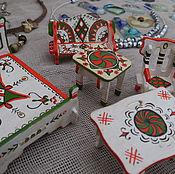 Куклы и игрушки ручной работы. Ярмарка Мастеров - ручная работа Игрушечная мебель с пижемской росписью. Handmade.