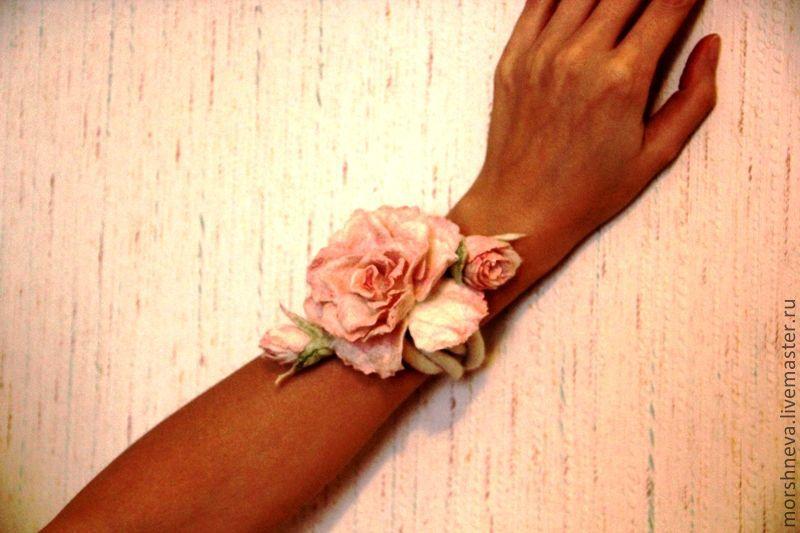 """Браслеты ручной работы. Ярмарка Мастеров - ручная работа. Купить Валяное украшение """"Весна"""". Handmade. Подарок девушке, бледно-розовый"""