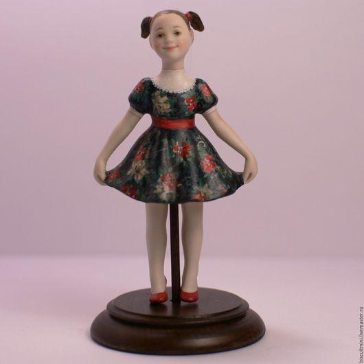Колокольчики ручной работы. Ярмарка Мастеров - ручная работа. Купить Фарфоровая кукла-колокольчик Люся в синем. Handmade. Разноцветный