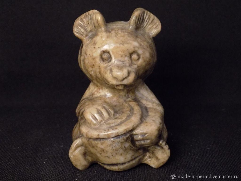 Медвежонок с ведерком - фигурка из камня Кальцит, Статуэтки, Орда,  Фото №1