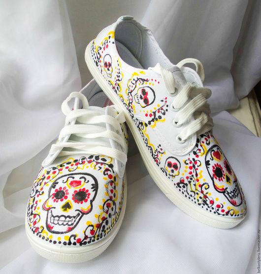 """Обувь ручной работы. Ярмарка Мастеров - ручная работа. Купить Кеды с росписью """"Веселые черепа"""", кеды с рисунком, роспись кед. Handmade."""