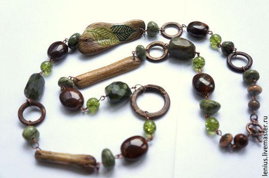Бусы зеленые из дерева и камней. Мастер Юсова Елена, мастерская TERRA.
