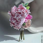 Цветы и флористика ручной работы. Ярмарка Мастеров - ручная работа Классический свадебный букет из полимерной глины из пионов, роз.. Handmade.