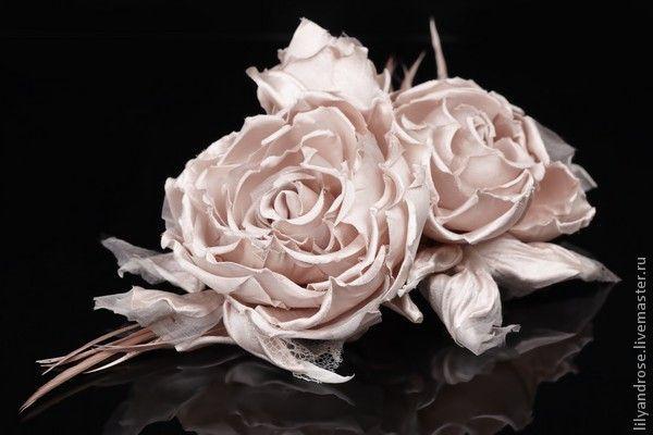 Свадебные украшения ручной работы. Ярмарка Мастеров - ручная работа. Купить Розовые розы-брошь. Handmade. Вуаль