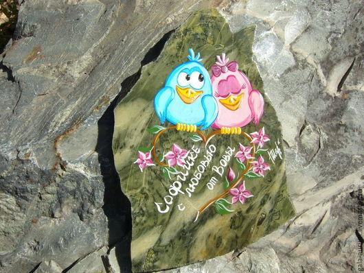 Роспись по камню ручной работы. Ярмарка Мастеров - ручная работа. Купить Магнит из камня Яшма Птички Любовь Романтика. Handmade.