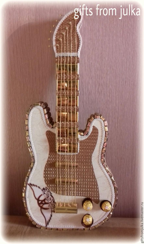 Конфетный букет гитара