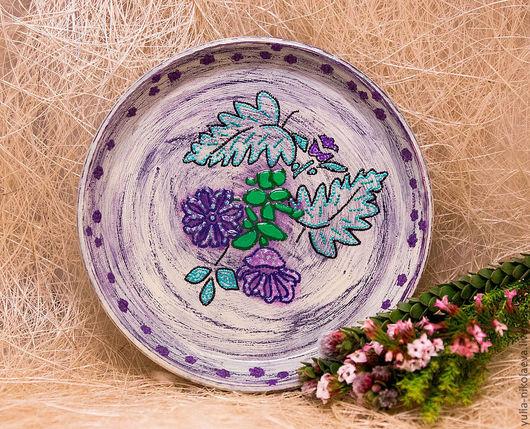 Тарелки ручной работы. Ярмарка Мастеров - ручная работа. Купить Тарелка цветочная. Handmade. Тёмно-фиолетовый, подарок, контуры акриловые