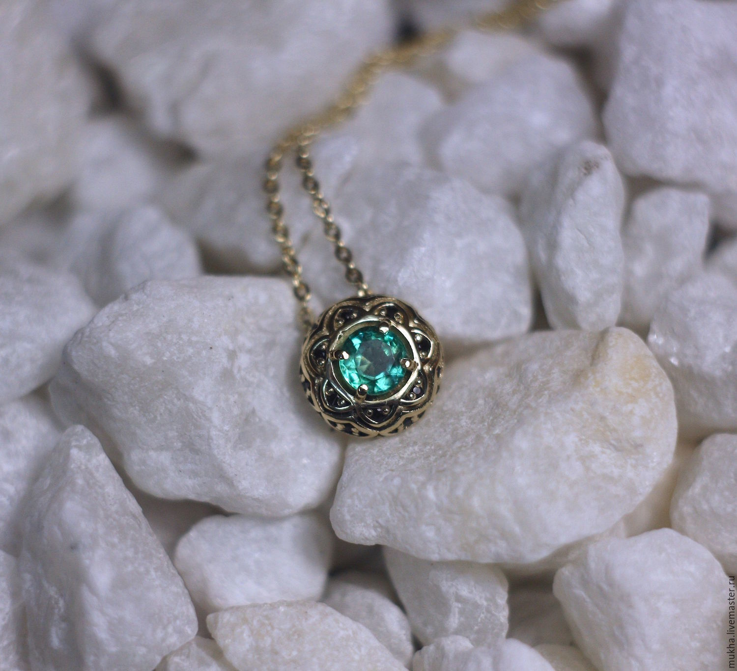 Rose des Vents pendant with Emerald in gold, Pendants, Moscow,  Фото №1