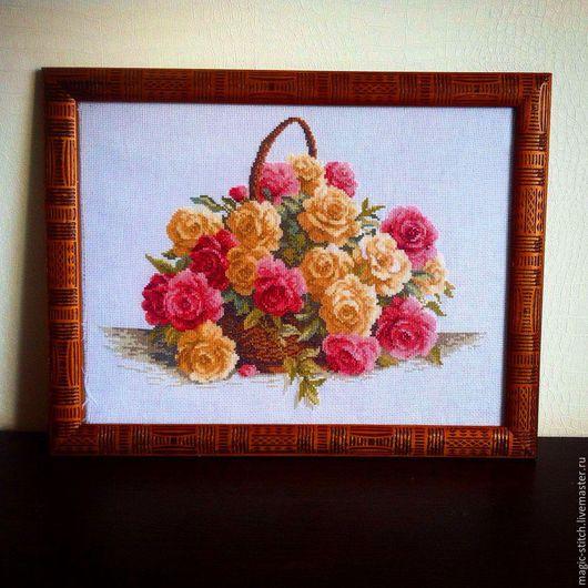 """Картины цветов ручной работы. Ярмарка Мастеров - ручная работа. Купить Вышитая картина """"Корзина роз"""". Handmade. Розовый"""