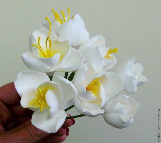 Заколки ручной работы. Ярмарка Мастеров - ручная работа. Купить Цветок фрезии для украшения прически. Handmade. Белый, Свадебный цветок