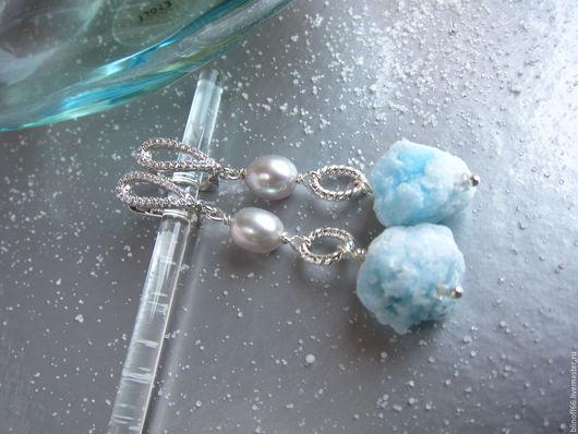 """Серьги ручной работы. Ярмарка Мастеров - ручная работа. Купить Серьги """"Голубые снежки"""" необработанные камни, жемчуг. Handmade."""