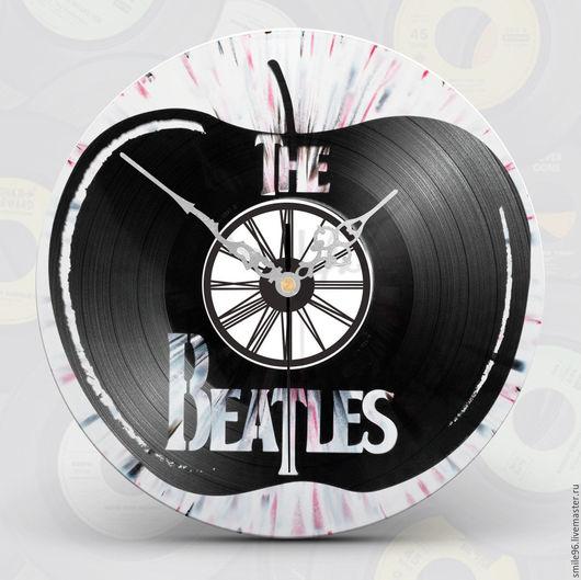 """Часы для дома ручной работы. Ярмарка Мастеров - ручная работа. Купить Часы из пластинки """"The Beatles"""". Handmade. Комбинированный"""