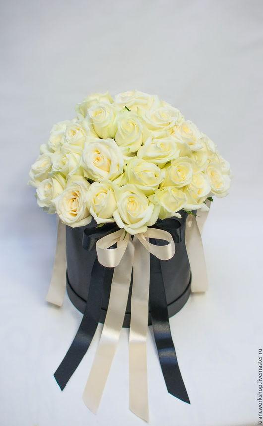 Букеты ручной работы. Ярмарка Мастеров - ручная работа. Купить Белые розы в шляпной коробке. Handmade. Цветы в шляпной коробке